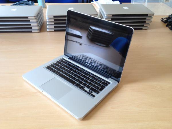 Apple Macbook Pro 13 Inch - Late 2009